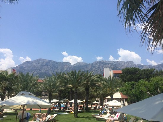 Club Med Palmiye: hotel and mountains view