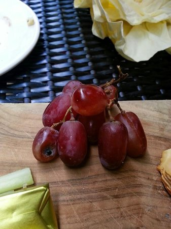 Duttons: Battered Grapes!