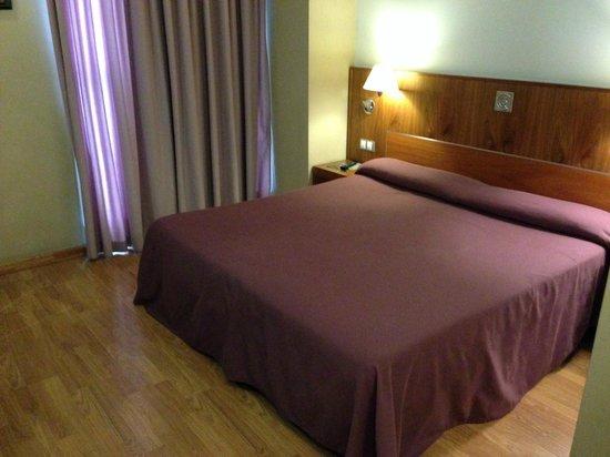 Evenia Rocafort : Zimmer
