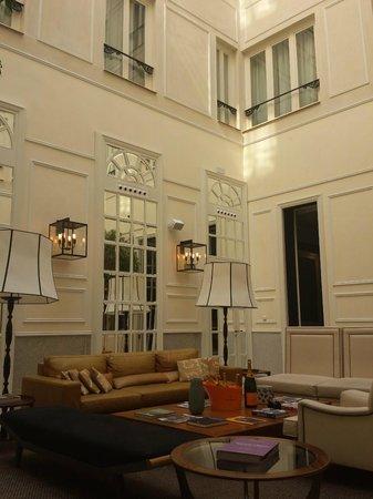 Only YOU Boutique Hotel Madrid: Salón recepción