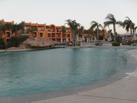 Stella Di Mare Beach Resort & Spa Makadi Bay: Pool Sunset