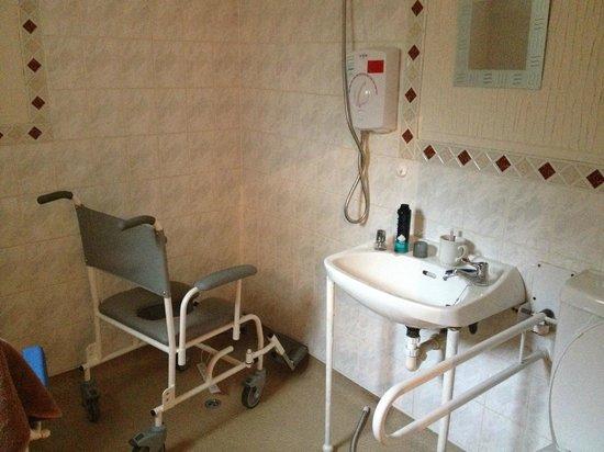 Rhone Villa: En-suite wet room