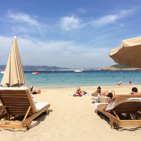 Cala Bassa Beach Club: Playa central