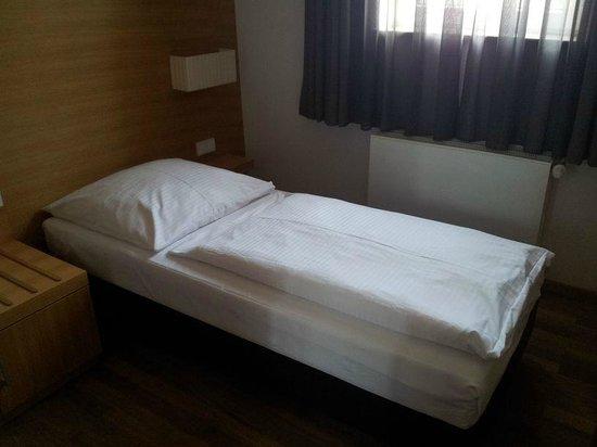 Thalmair Hotel: Bett