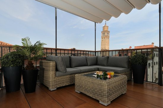 Hotel Ala - Historical Places of Italy: ROOF TERRACE