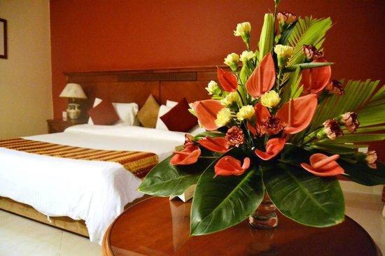 Golden Tulip Dar Es Salaam: Rooms