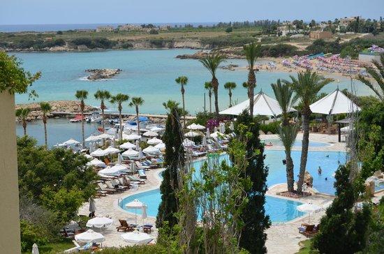 Coral Beach Hotel & Resort: плюс