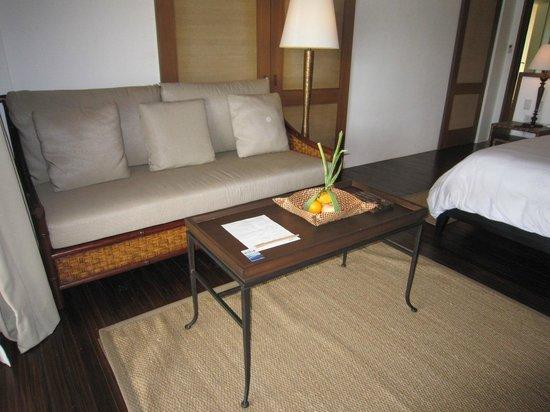 El Nido Resorts Pangulasian Island: 起居間