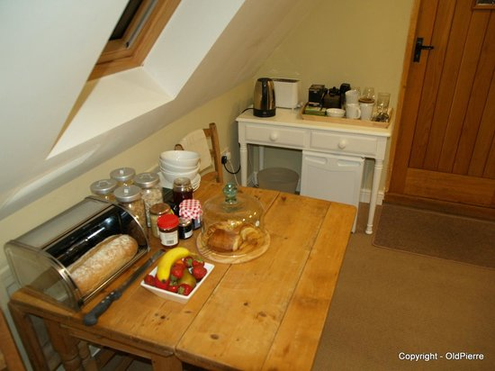 Rosebank B&B: Breakfast bar