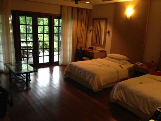 Century Langkawi Beach Resort: room