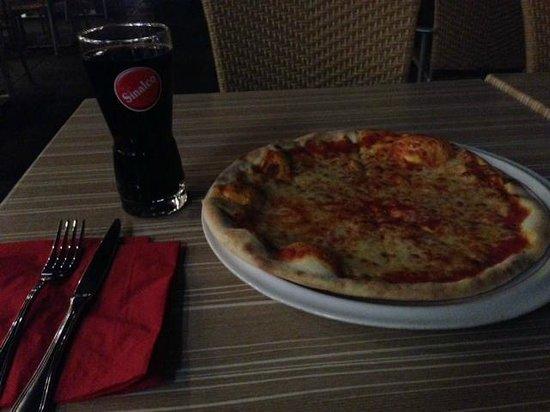 Calabrone Ristorante: Pizza Margherita