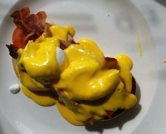 Sevens Boatshed: Eggs Blackstone