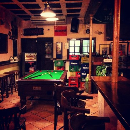 The Bailey Irish Pub : 2