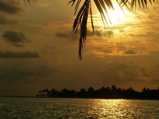 Kuredu Island Resort & Spa : Blick vom Teehaus aufs Meer