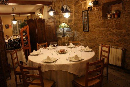 Restaurante Casa Isolina: Vente a disfrutar de nuestros platos en un ambiente acogedor.