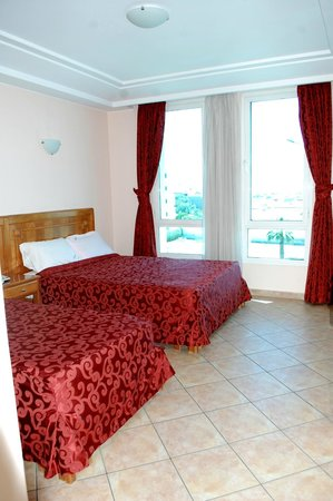 Residence Hotel Azour : chambre double d'un appartement