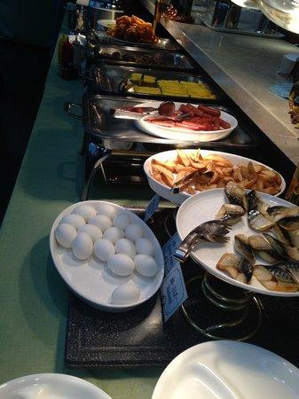 Citadines Central Shinjuku Tokyo: part of the buffet