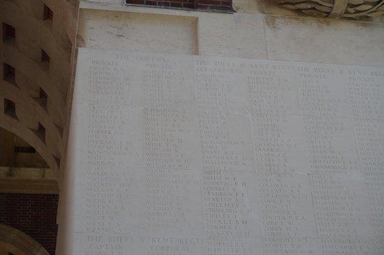 Mémorial de Thiepval : Finding J White