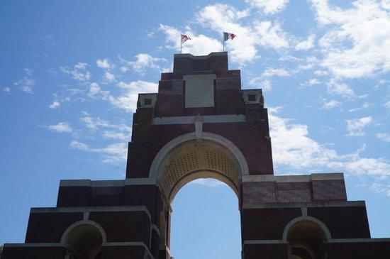 Mémorial de Thiepval : The top of Thiepval Memorial