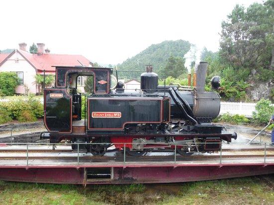 West Coast Wilderness Railway: Turning the engine