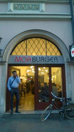 Moaburger : Вид с улицы