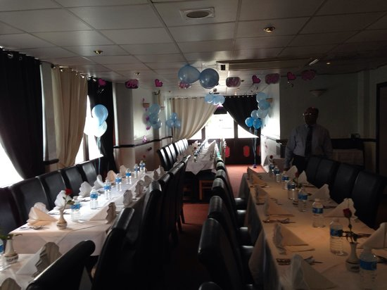 Rose Valley: Party table booked