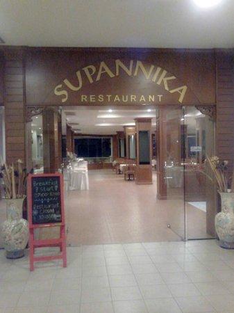 Life Up Resort & Spa: Restaurant
