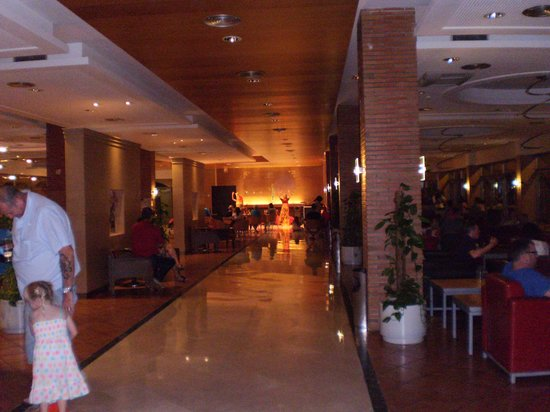 Hotel Mediterraneo Benidorm : The so called entertainment...