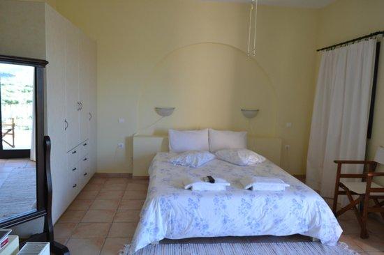 Olive Coast Suites: Slaapkamer