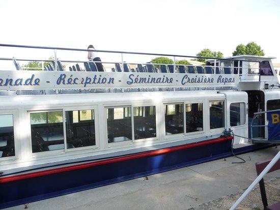 Bateau St louis et l'Iris : le bateau