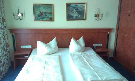 Hotel am Congress-Centrum: bed