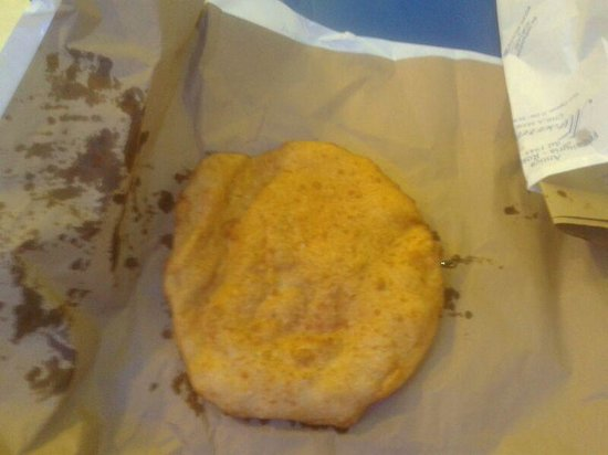 La Masardona: pizza fritta provola e pomodoro