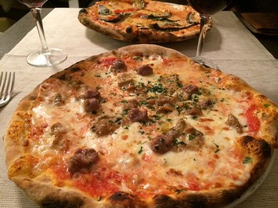 Monopoli: mouth-watering pizza