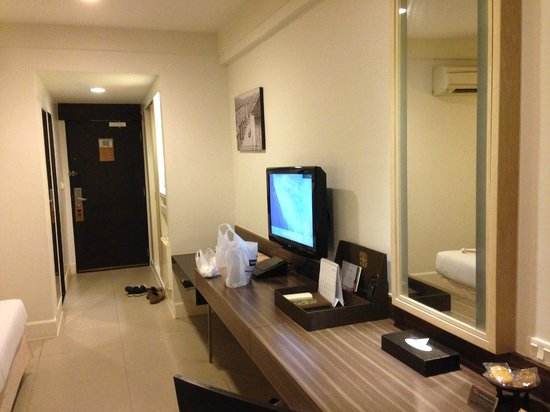 Sawaddi Patong Resort & Spa: room