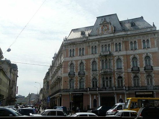 George Hotel: вид отеля