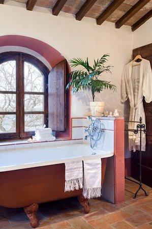 Fortezza de'Cortesi: Sweet cortesiana bathtub