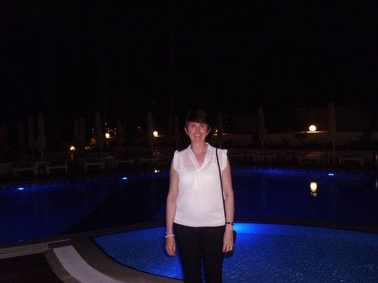 SENTIDO Sea Star: pool of an evening with changing light show