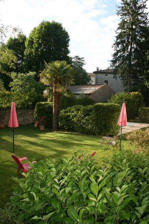 Hotel Les Bellugues : vue de la chambre