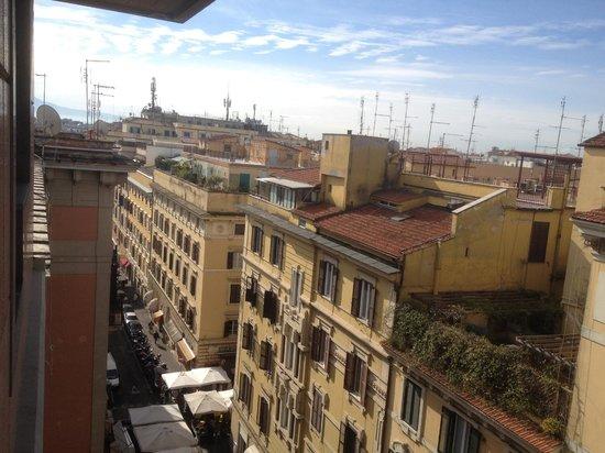 Hotel Beverly Hills Rome: Utsikt från rummet!