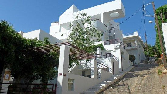 Markakis Apartments: Aussenansicht
