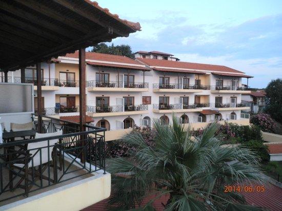 Aristoteles Holiday Resort & Spa: μπαλκονι