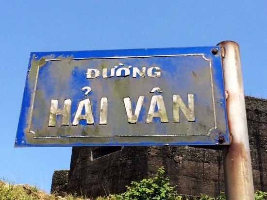 Hue Rider - Day Tours : Hai Van pass