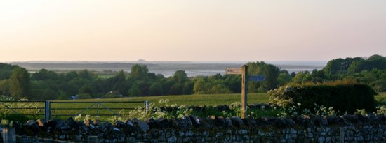 Outchester and Ross Cottages : coast & castles right from the door