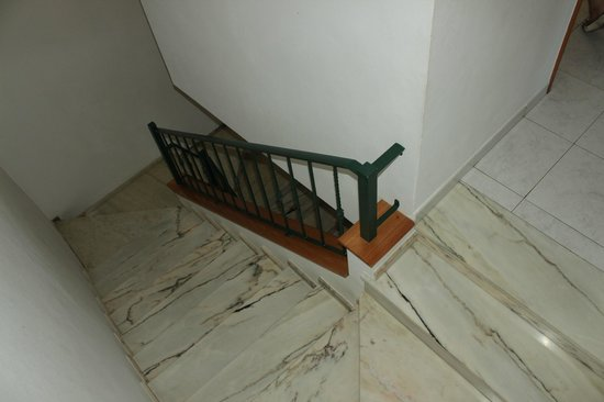 Plaza Real Atlantichotels: top of stairwell