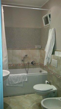 Prague Holiday Apartments: ванная
