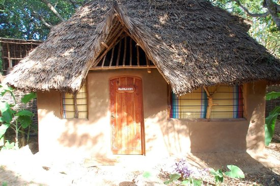 Distant Relatives Ecolodge & Backpackers: Private Banda