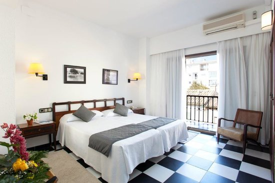 Sis Pins: Light bedroom