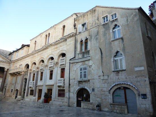Palais de Dioclétien : Diocletian's Palace