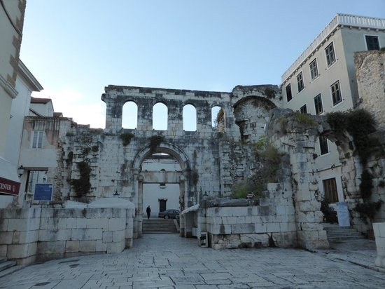 palace of diocletian - photo #26
