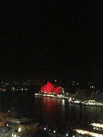 Four Seasons Hotel Sydney: Opera House over CNY